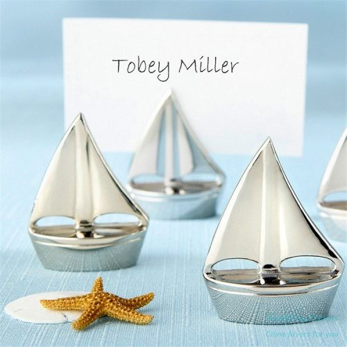 shining-silver-sailboat-place-card-holders