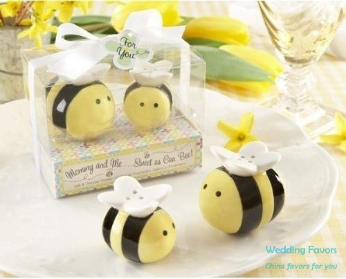 Mommy And Me Sweet As Can Bee Ceramic Bumblebee Salt Pepper Shaker