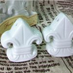 Fleur-de-Lis Ceramic Salt Pepper Shakers57631
